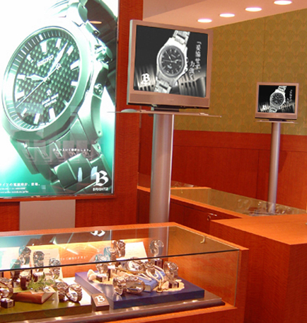 『キャンペーン映像』<br>ブライツ、ルキア、D&E、GSの主要4ブランドの製品特徴や美しさを前面に押し出した映像。会場では20インチ液晶4台で同時上映。