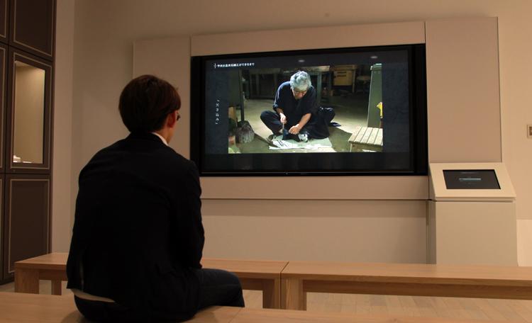 山梨の宝石職人たちへのインタビュー映像「職人の流儀」を制作。